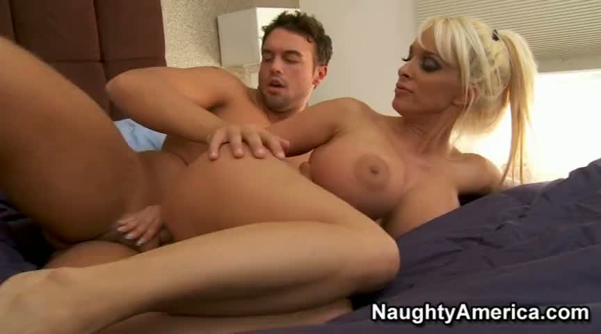 mom-and-friend-fuck-masterbateing-babes